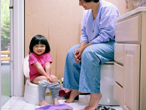 Làm sao tập ngồi bô cho bé đúng cách?